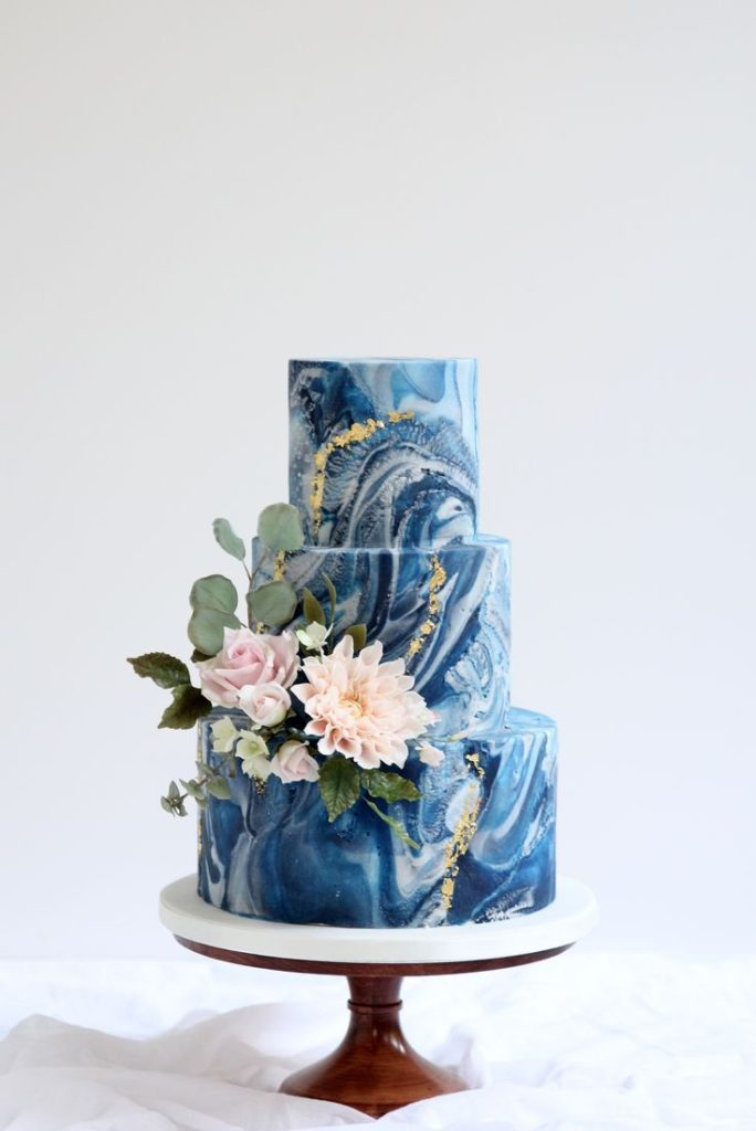 13 Navy Blue And Gold Wedding Theme Ideas The Wedding Blogger